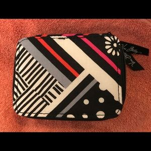 🆕 Vera Bradley Northern Stripes Travel Pill Case